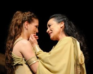 Sárközi-Nagy Ilona és Ráckevei Anna az Iokaszté királyné című előadásban
