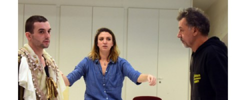 A játék öröme mindenek felett – Beszélgetés Adélaïde Pralon rendezővel a Feydeau, avagy egy próba története című darab kapcsán
