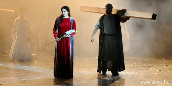 Mária szerepében Újhelyi Kingát láthatjuk